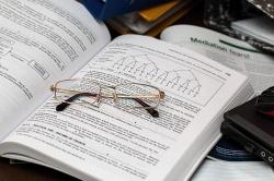 Разрешено ли рекламировать услуги по написанию дипломов и научных работ?