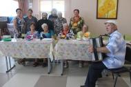 Песенные посиделки «Люди пожилые сердцем молодые»