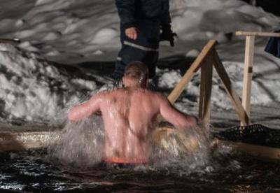 О Крещенских купаниях.
