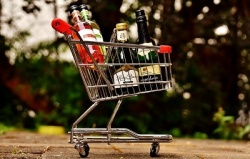 Покупка алкоголя для несовершеннолетних является правонарушением
