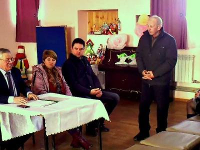 В поселке Курбатово состоялось собрание граждан по выбору направления благоустройства поселка