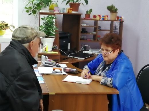 Прием граждан по личным вопросам в п. Новольвовск
