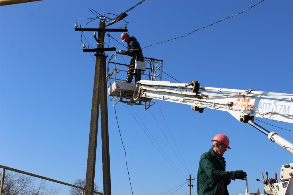 В Камышеватском сельском поселении установлены 45 новых фонарей уличного освещения