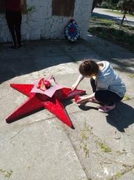 В рамках подготовки мероприятий, посвященных 74-летию Победы в Великой Отечественной войне в Глебовском сельском поселении проводится косметический ремонт памятников