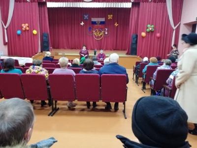 Глава АМО Новольвовское  встретилась с жителями п. Новольвовск