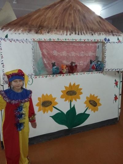 Единый день открытия Года театра в Моревской библиотеке