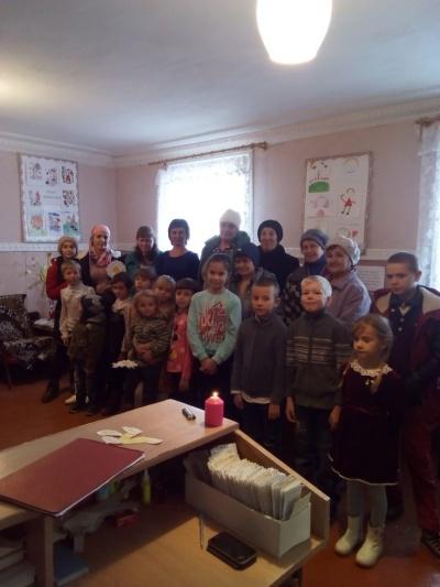 24 ноября  в  Медовской сельской библиотеке прошел литературный вечер «Милым женщинам», посвящённый Дню матери