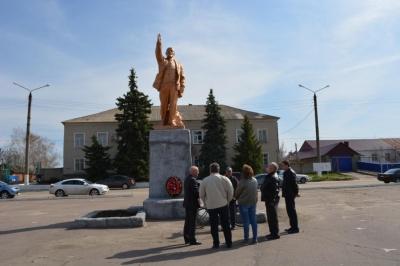 Проведено техническое обследование памятника Ленину
