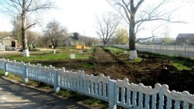 В Воробьевке строится новый сквер
