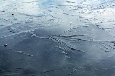 Тонкий лёд-опасность!