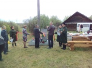 Открытие памятника в деревне Учэт Зон