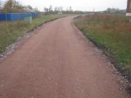 Продолжается благоустройство грунтовых дорог по селу. В 2018 году за счет субсидий из областного бюджета отсыпана дорога по ул. Алпеева 500м.
