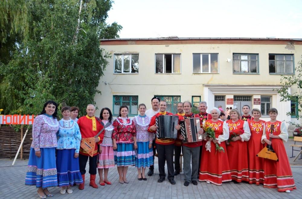 """28 июня в сквере села Юдино впервые прошло брендовое мероприятие """"Село на село""""."""