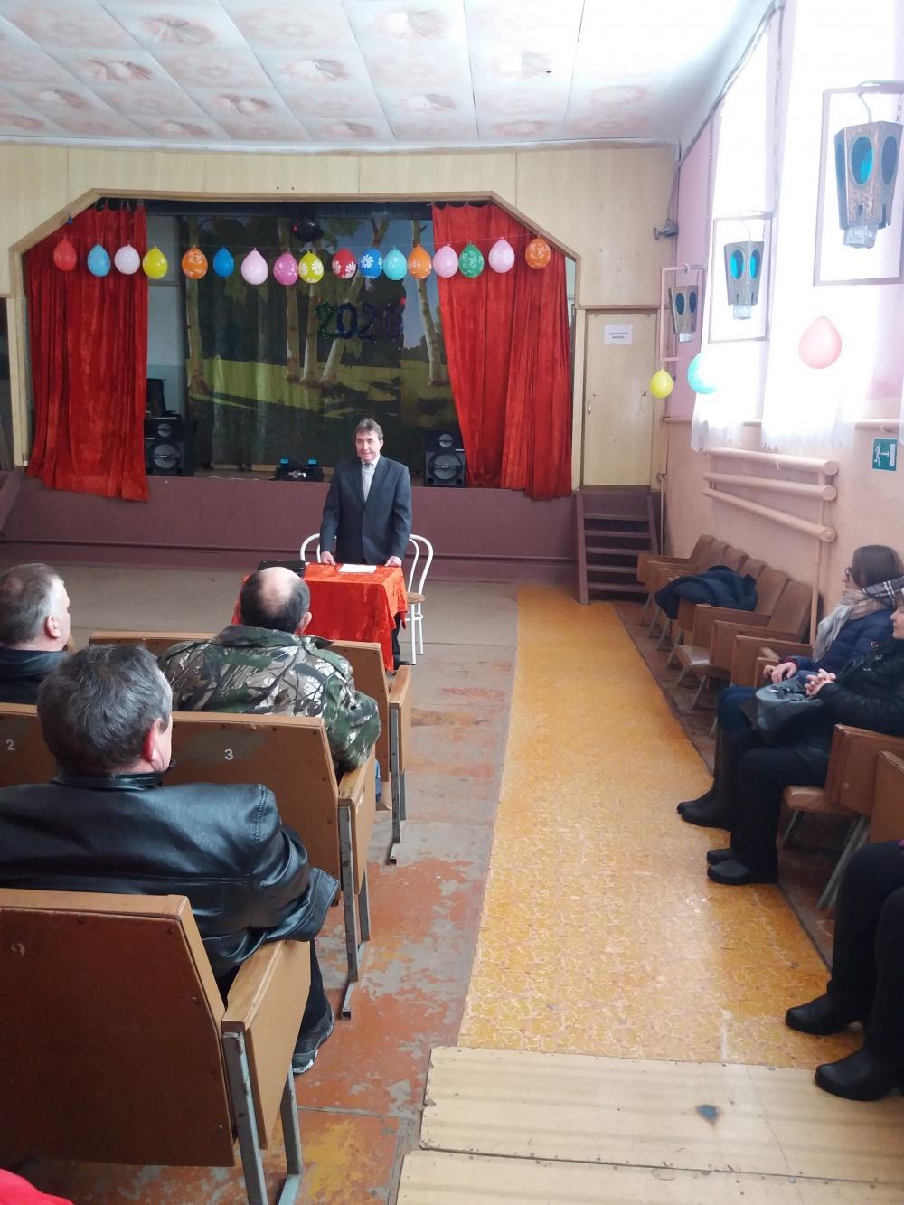 Глава Стадницкого сельского поселения отчитался перед депутатами и населением о проделанной работе за 2019 год