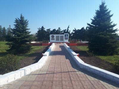 Ремонт мемориала погибшим односельчанам в пос. Моревка