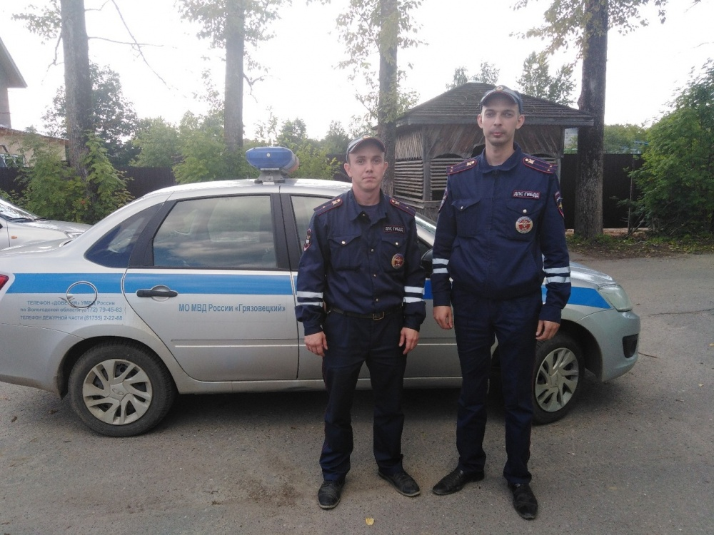 Сотрудники ГИБДД Грязовецкого района совместно с коллегами из Ярославской области остановили нарушителя, управлявшего автомобилем в состоянии опьянения