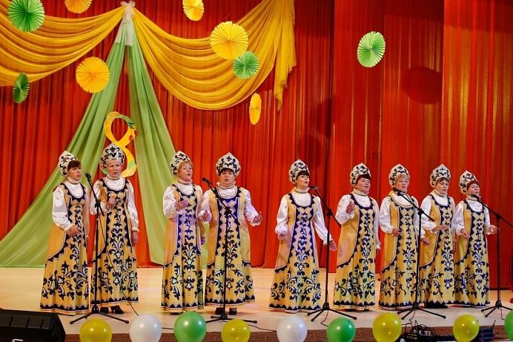 """Ансамбль """"Миряночка"""" на фестивале песни 8 марта"""