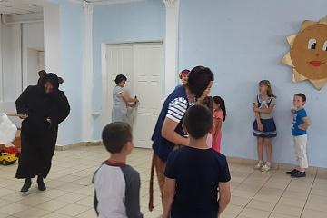 4 июня в Комсомольском СДК для воспитанников пришкольного лагеря дневного пребывания «Солнышко» была проведена игровая программа «Здравствуй, солнечное лето!».