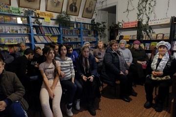 В Новочигольской библиотеке проведен музыкальный час «Угадай мелодию комсомольских песен», посвященный 100-летию таловской ячейки РКСМ