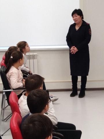 Сотрудники полиции Волжского района провели со школьниками профилактическую беседу о вреде наркотиков