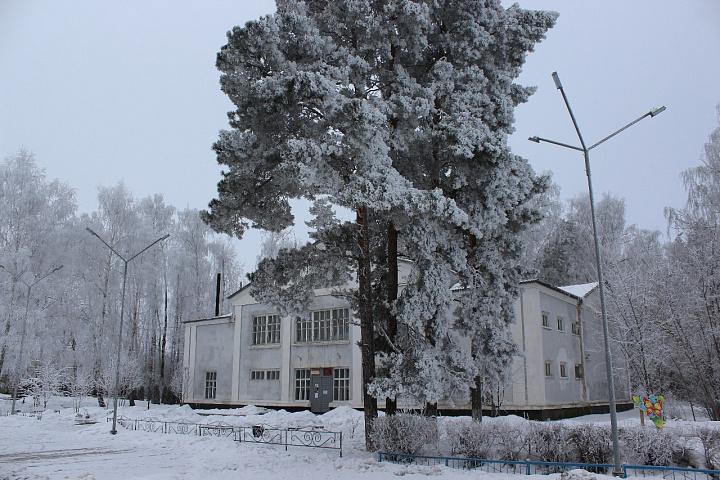 здание администрации снег.jpg