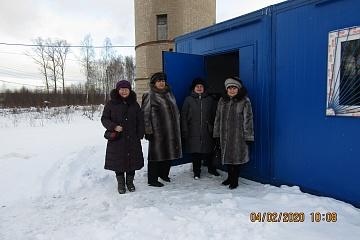 Отец Игорь Свято-Троицкой церкви с. Костенево осветил станцию водоподготовки в п. Никольское в присутствии жителей.