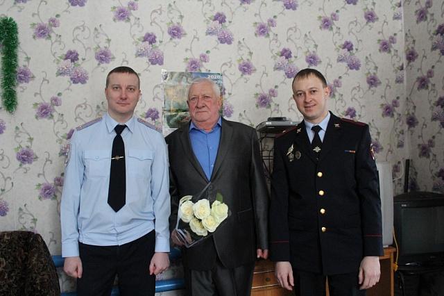 Руководители отдела МВД России по Волжскому району поздравили представителя Общественного Совета при территориальном органе с юбилеем.