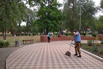 В канун дня памяти и скорби администрация Городовиковского городского муниципального образования Республики Калмыкия провела международный субботник