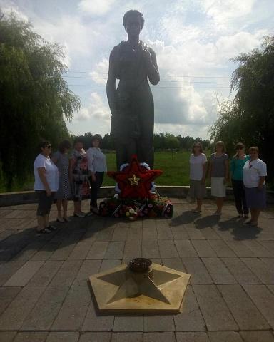 В с.Воронцовка, прошла церемония возложения цветов к мемориалу Погибшим воинам.