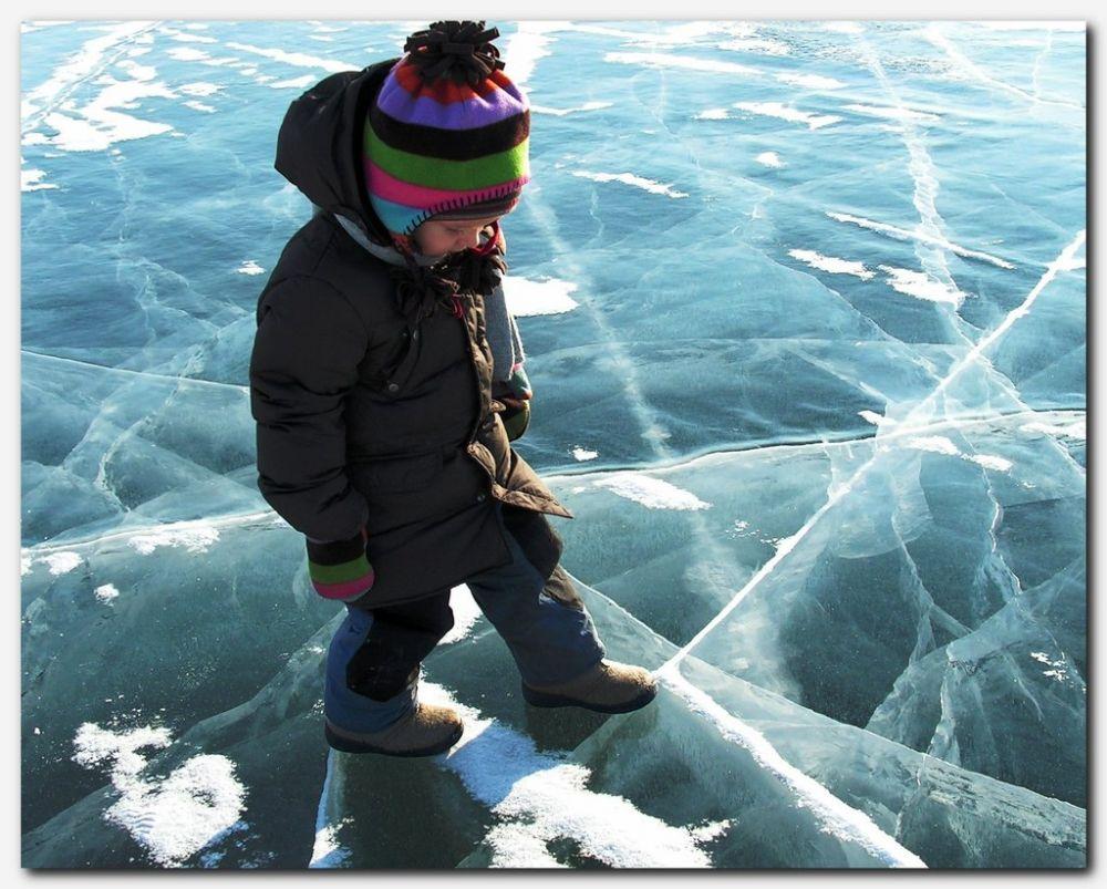 Правила безопасности людей на льду  в осенне-зимний период «Тонкий лед»