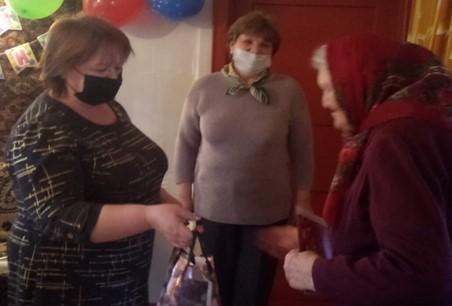 5 апреля 90-летний юбилей встретила уважаемая и милая женщина   Заруднева Клавдия Никифоровна.