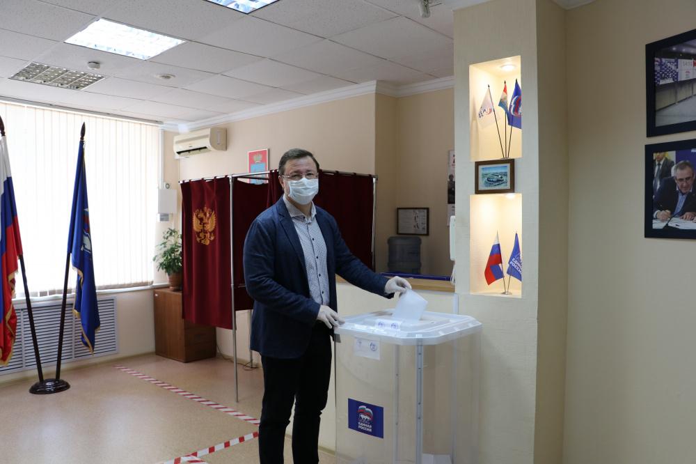 Больше половины избирателей допускают голосование за «Единую Россию» на выборах в Госдуму — эксперты