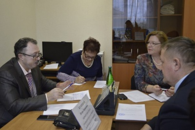 Игорь Кумицкий провел прием граждан в Терновском муниципальном районе