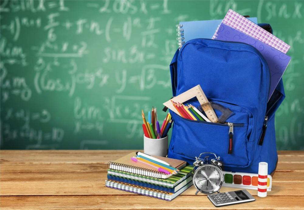 10000— в помощь семьям,  где есть школьники и будущие первоклассники