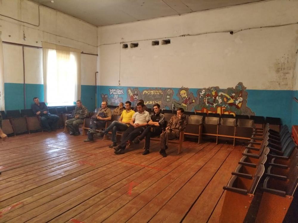 В Верхнетишанском СДК  инструктор по спорту Мельникова И. провела  беседу-лекцию-  «Спорт - явление культурной жизни».