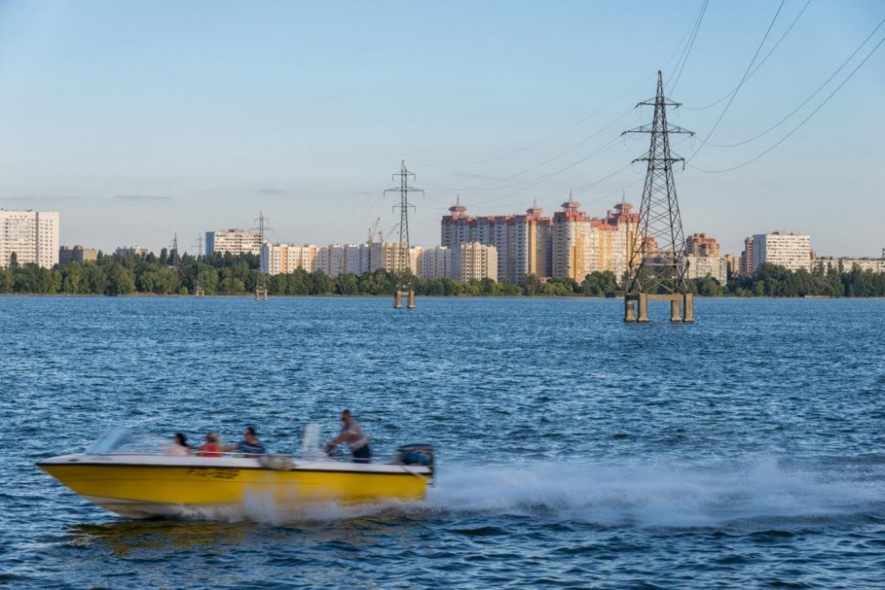 Воронежэнерго напоминает владельцам маломерных судов о правилах электробезопасности на водоемах