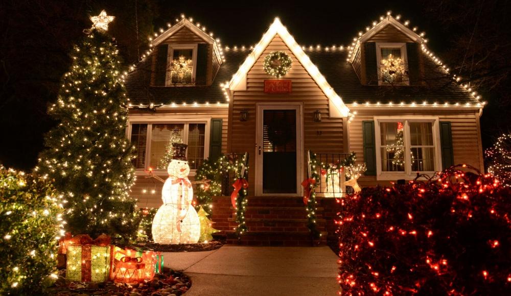 Об украшении фасадов зданий в преддверии новогодних праздников