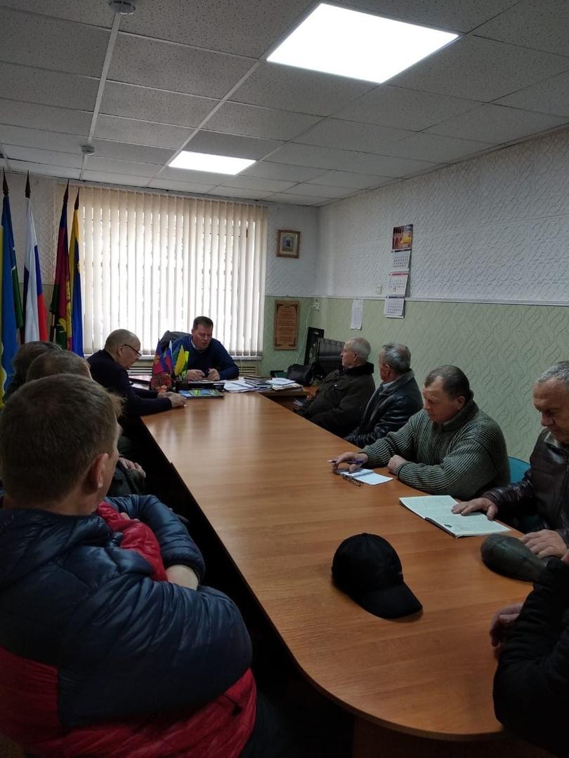 25 марта 2020г в администрации Кухаривского сельского поселения, состоялось рабочее совещание по вопросам развития пчеловодства в малых формах хозяйствования.