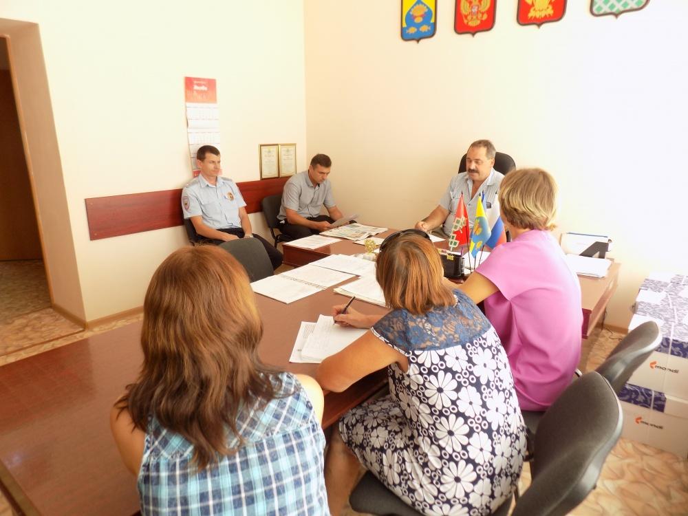 Сегодня проведено восьмое заседание территориальной комиссии по профилактике правонарушений администрации Новониколаевского сельского поселения
