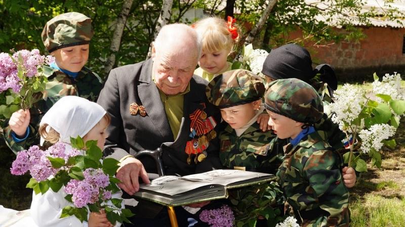 Никольский СДК. Поэтический час: «Стихи, рожденные войной»