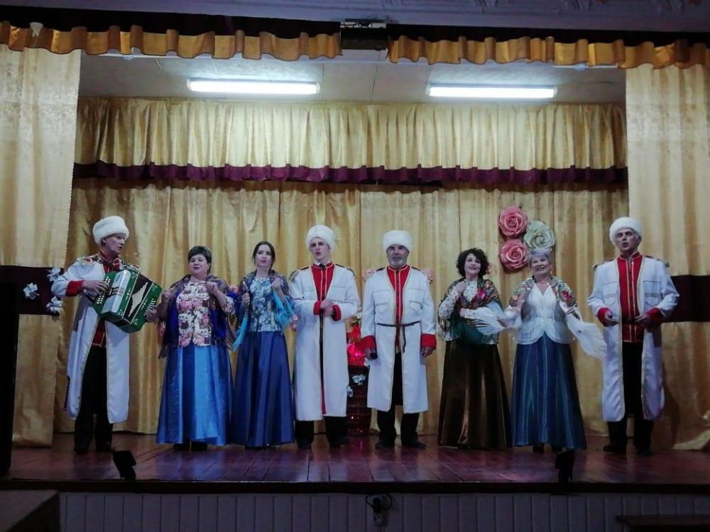 Отчетный концерт творческих коллективов Залуженского сельского поселения!