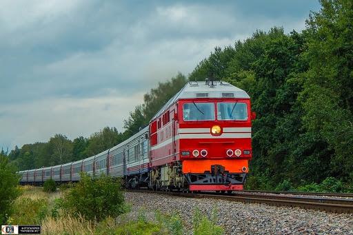 Движение через железнодорожный переезд!