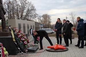 Митинг в  День  неизвестного солдата на Братской могиле № 272