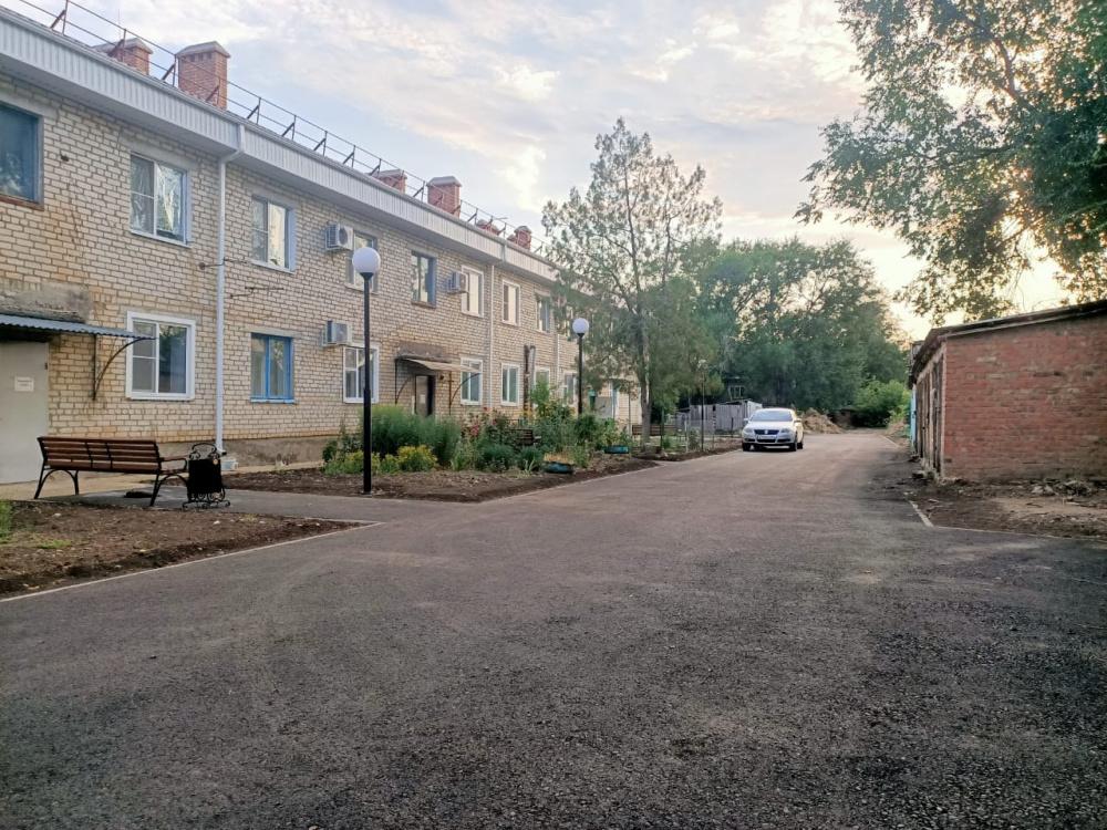 Завершилось благоустройство придомовой территории на улице Советской