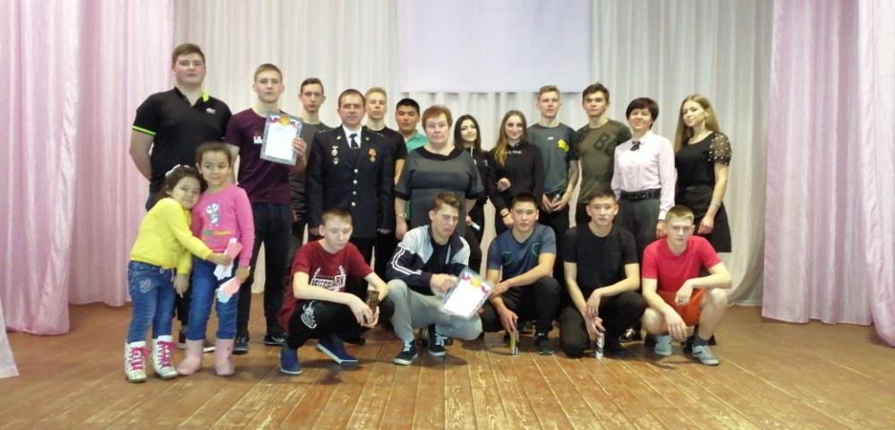 """22 февраля, накануне праздника """"День защитника Отечества"""", в Доме культуры была проведена конкурсная программа для молодежи «А ну-ка, парни!»."""