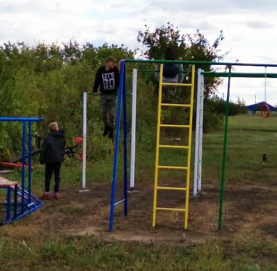 В селе Липяги на улице Карла Маркса оборудовали детскую спортивную площадку