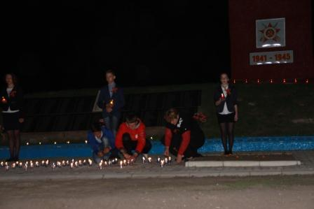Вечер памяти «Свеча в ладони» (шествие со свечами) у Памятника погибшим односельчанам