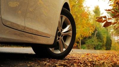 Правила безопасности при вождении осенью
