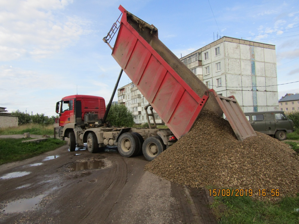 Произведен ремонт дорог в поселке Никольское