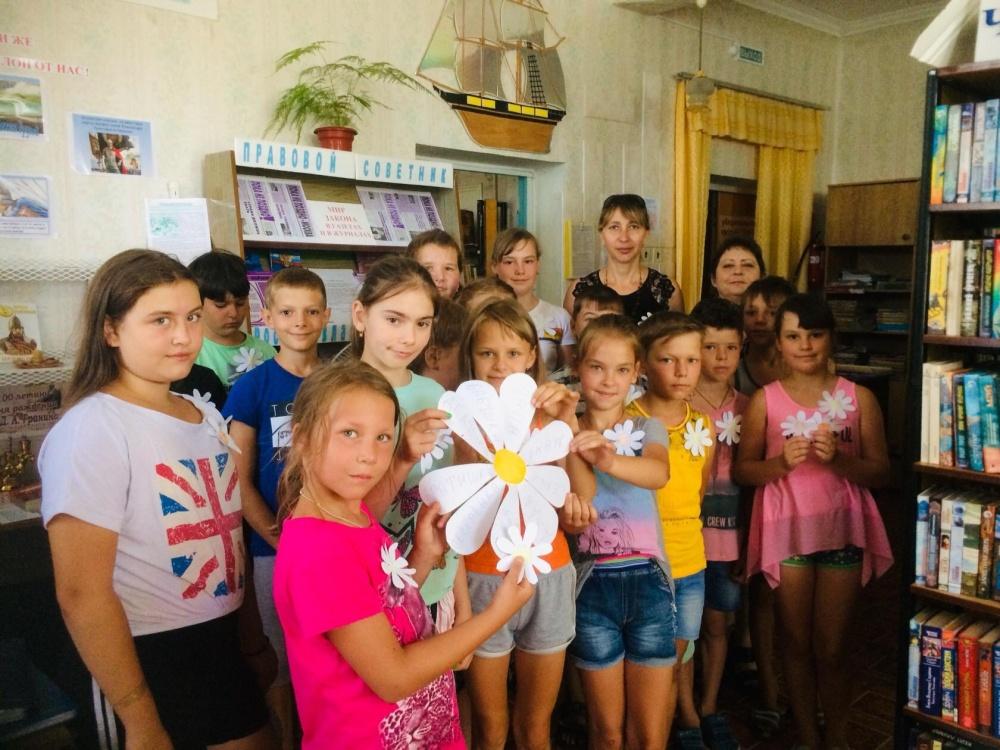 08.07.19 в Кухаривском сельком поселении прошли ряд мероприятий посвященные Дню семьи, любви, и верности.